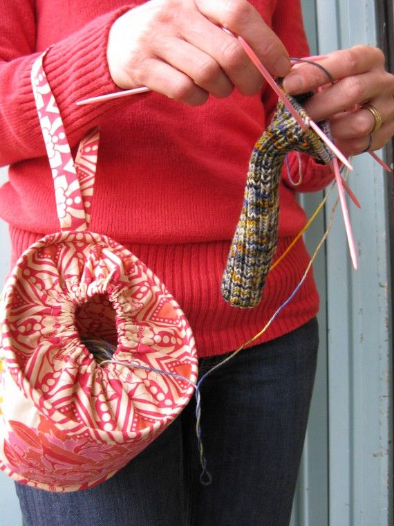 cool bag for on-the-go yarn crafting!