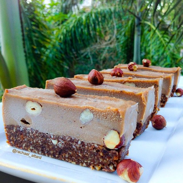 Can you believe this ferrero rocher slice is healthy?! Sugar, gluten and dairy free, vegan, paleo AND raw. More healthy recipes on the blog!