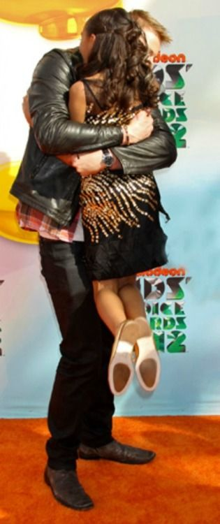 Alexander Ludwig and Amandla Stenberg at Nickelodeon KCA 2012. couldn't resist pinning this one.