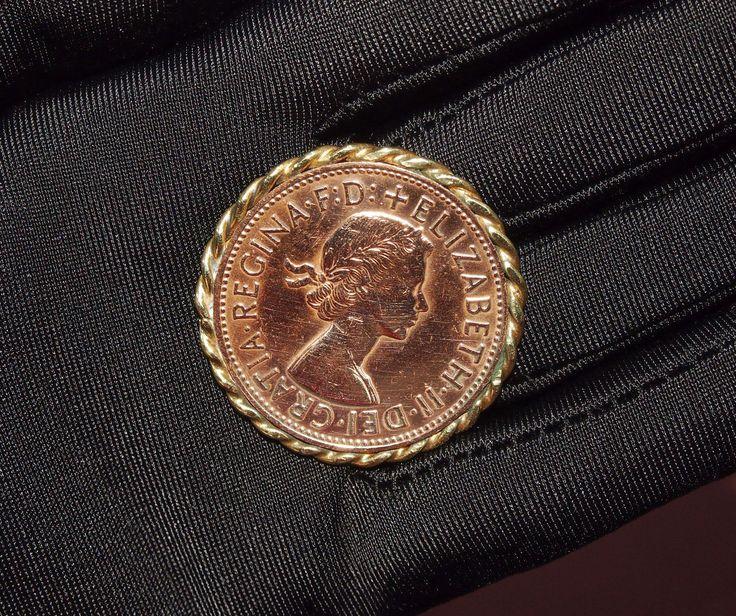 Пуговица с монетой 1 пенни 1960-е гг. Европа.