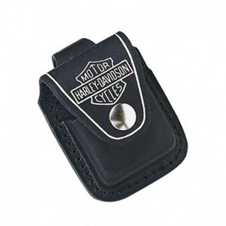 Zippo Port Bricheta Harley Davidson Negru te va ajuta sa iti pastrezi bricheta in siguranta si intotdeauna l indemana. Realizata din piele neagra, acest etui prezinta logo-ul Harley Davidson. Usor de anexat la curea cu o latime de pana in 5 cm.