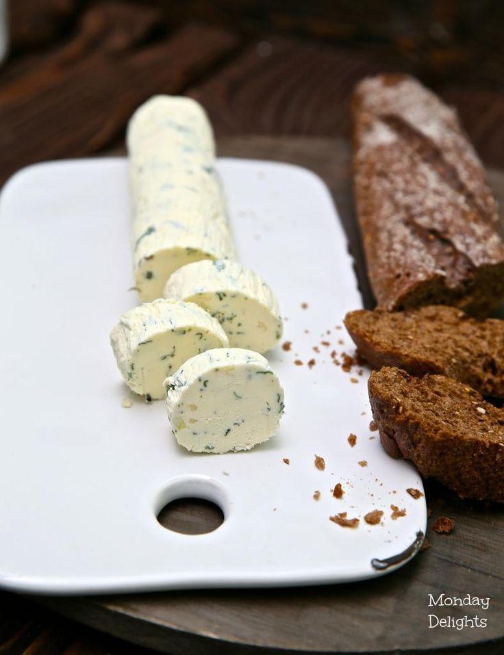 Домашнее ароматное сливочное масло с травами и чесноком