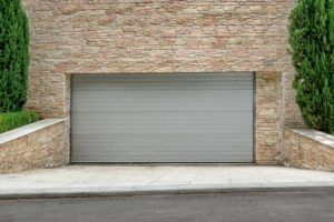 Echo Garage Doors Company Albuquerque NM is one of the premier garage door companies in Albuquerque. We are a complete garage door service company, where we can remove your old door and install a new garage door of your choice. This can be accomplished in a matter of hours from the time that you first contact us. Our overhead door company albuquerque can perform 24/7 emergency repair most days of the week, except for the weekend.