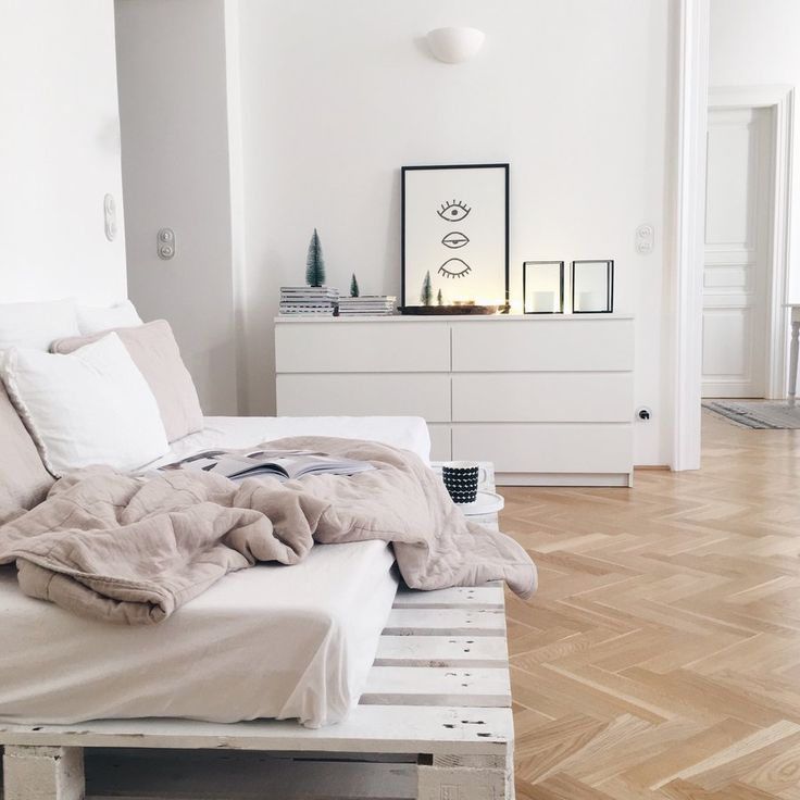 die besten 25 dachgeschosswohnung ideen auf pinterest dachbodenausbau fu boden loft. Black Bedroom Furniture Sets. Home Design Ideas