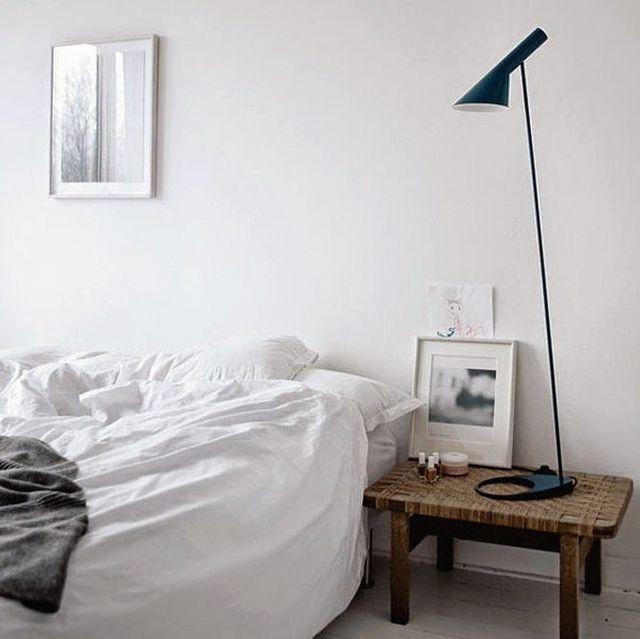 White bedroom styling (via Bloglovin.com )