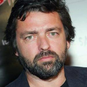 Angus Macfadyen - I have had such a huge crush on Angus ever since I first saw him in Braveheart.  Scottish guys are yummy too ;)