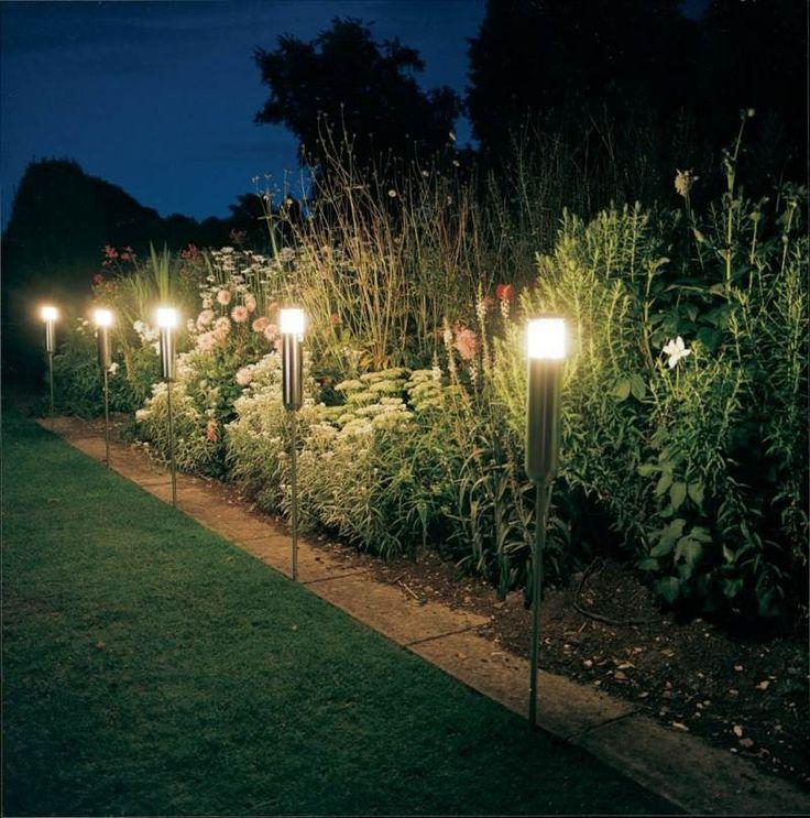 Beleuchten können Sie den Garten auch mit Solar Lampen