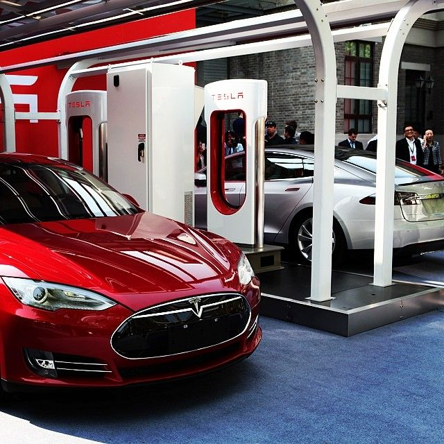 #WattsUp: Tesla plans to install 200 more Superchargers globally this year. Three solar powered Supercharger sites are now open in China. #cars #tesla #vehicle #vehicles #street #speed