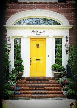 #Sixty Five's Door (70 pieces)