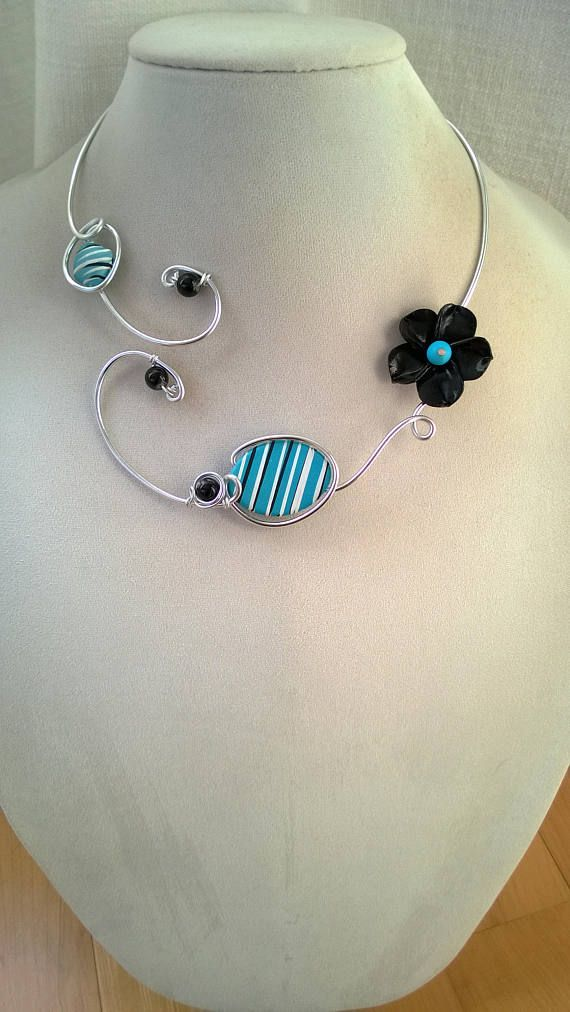 Open collar necklace Wire necklace Collier ouvert Wire