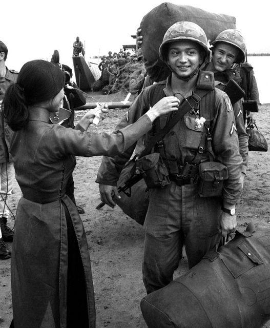 Soldiers arrive in Vietnam, 1966   Flickr - Photo Sharing!