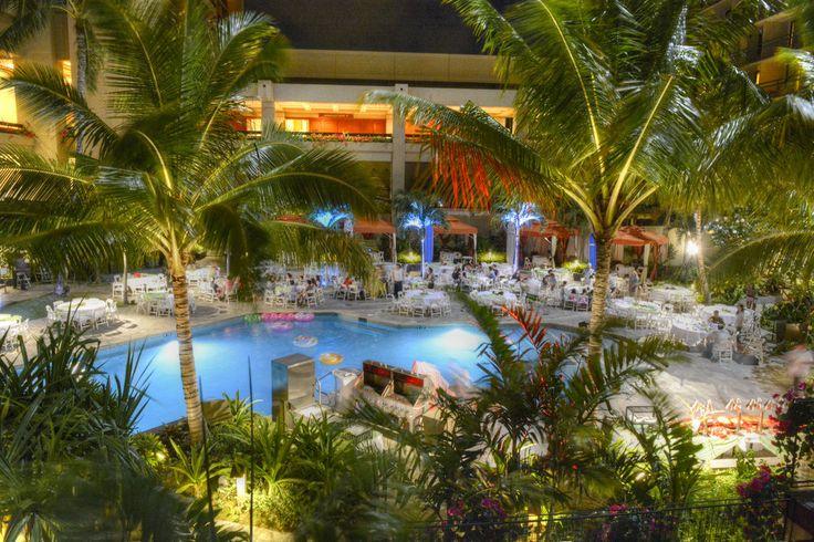 Hilton Hawaiian Village - outdoor pool