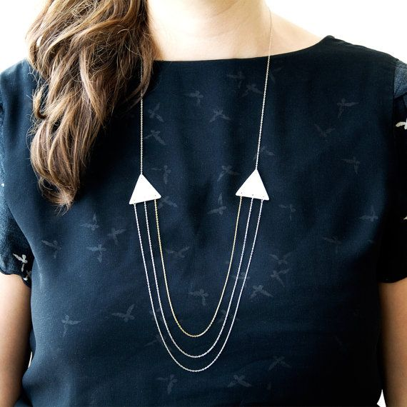A e t n a - Simple geometric jewelry - White porcelain necklace - Triangle shape - Eleïa Collection