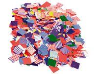 Plakvierkanten mozaïek Stevige vierkantjes van 2 × 2 cm bedrukt met kleurrijke patronen in diverse stijlen. Per zak met circa 2000 vierkantjes.
