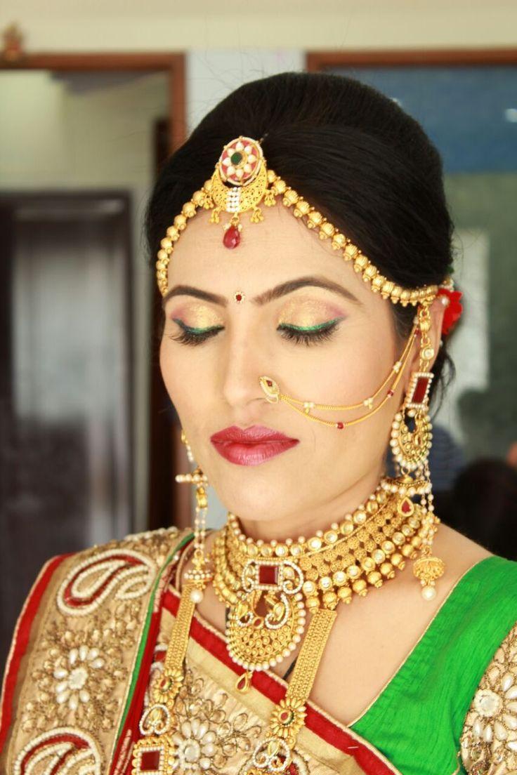 Simple Gujarati bride