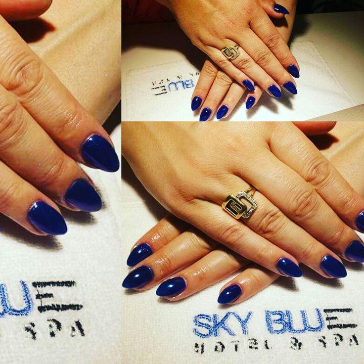 Există multe tipuri de a realiza o manichiură frumoasă dar nimic nu egalează o manichiură cu gel realizată de un profesionist! Laura vă propune o nuanță ideală pentru vremea rece!  Rezervări: 0729106264. http://www.sky-center.ro/sky-beauty-salon/  #beauty #nails