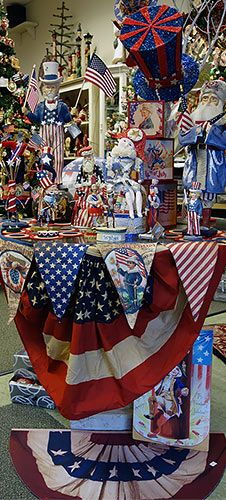 patriotic bunting banners rugs all paired with very cool patriotic folk art dcor