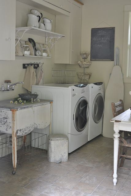 Lovely vintage laundry room!  (Faded Charm)