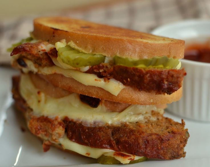 Grilled Meatloaf Sandwich with Chipotle Ketchup | Small Town Woman