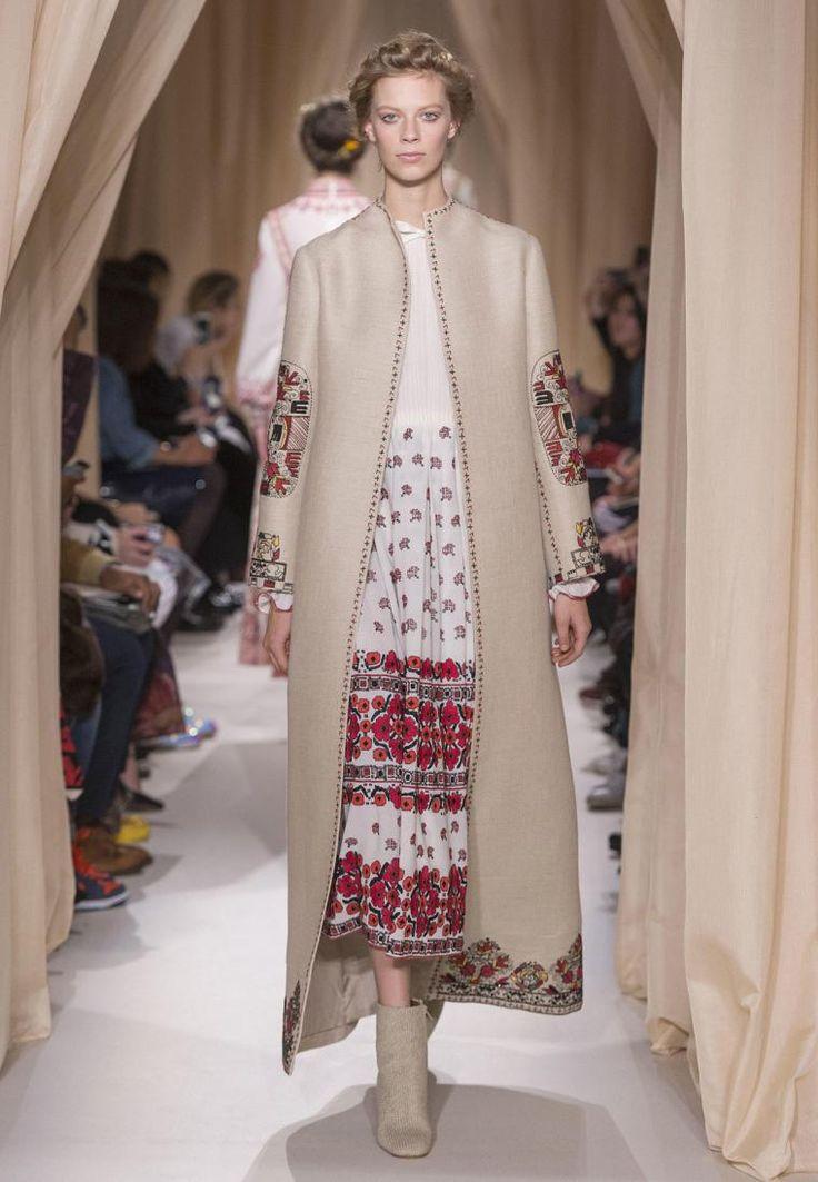 Народные костюмы в модной интерпретации: 20 элегантных образов от Valentino - Ярмарка Мастеров - ручная работа, handmade