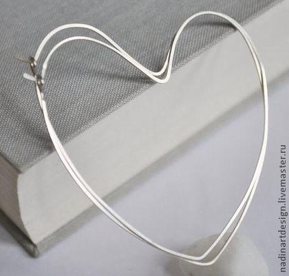 Большие серебряные серьги `Сердца`.