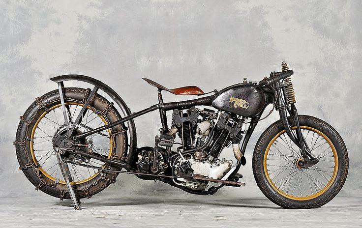 Harley-Davidson WL 750 | hillclimbing | custom cylinder heads | via bubblevisor.blogspot.com | #barnfresh