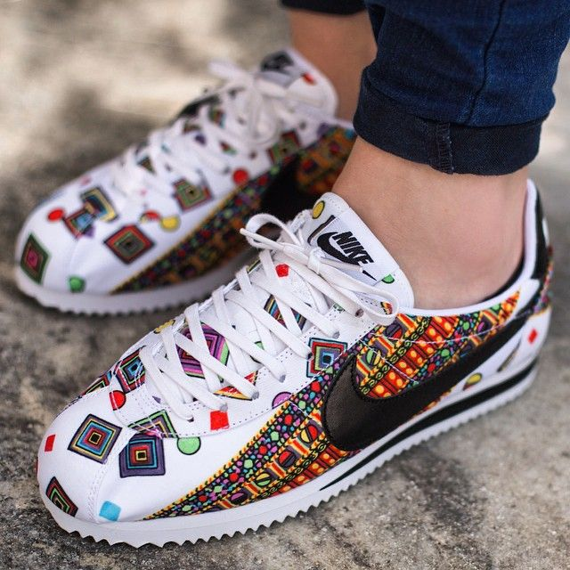 baskets nike wmns classic cortez print pour femme r tro jordans vi. Black Bedroom Furniture Sets. Home Design Ideas