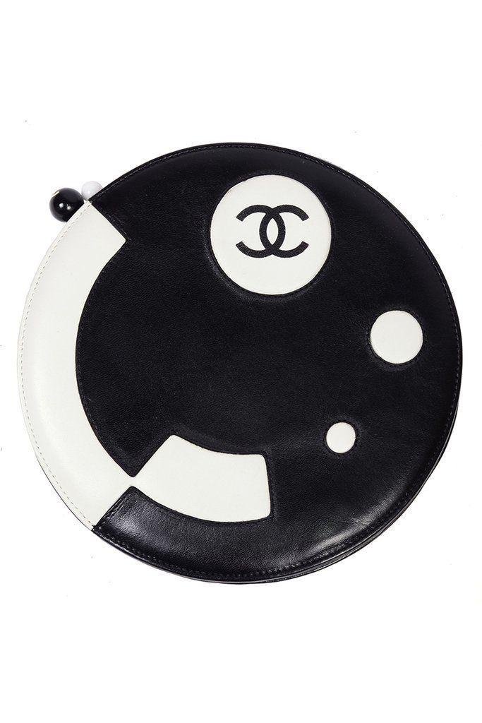 fc4ef0d57a14 Black   White Leather Chanel Disk Handbag Circular Clutch Shoulder Bag –  Dressing Vintage