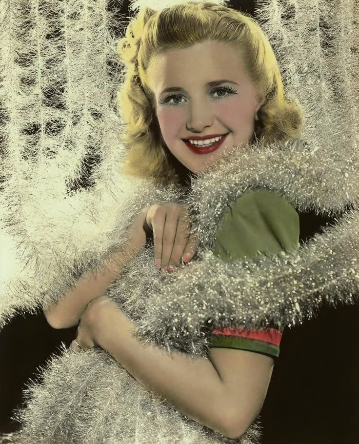 Priscilla Lane - Christmas 1940s. #actress #vintage #Christmas