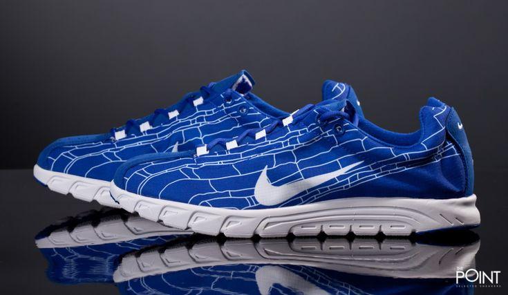 Zapatillas Nike Mayfly Azul Blanco, llega a la #tiendaonline de #sneakers #ThePoint la nueva reedición del modelo de zapatillas #NikeMayFly , en esta ocasión #Nike la presenta en un colkorway azul con detalles en blanco, a juego con el tradicional #Swoosh de la #marcaNike , visita #ThePointSelectedSneakers y hazte ya con los últimos modelos de #zapatillasNike para esta #PrimaveraVerano2016 , http://www.thepoint.es/es/zapatillas-nike/1738-zapatillas-hombre-nike-mayfly-azul-blanco.html