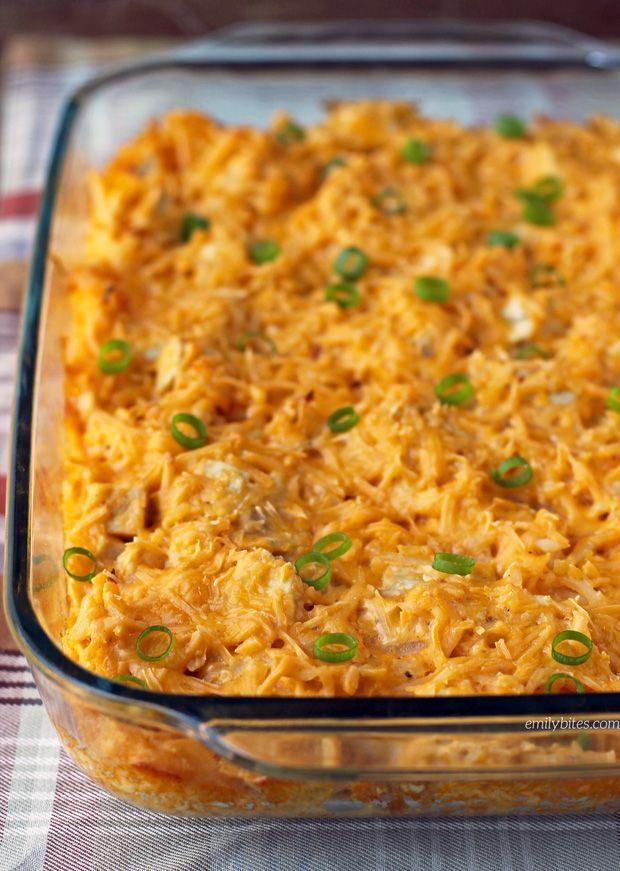 ThisCheesy Buffalo Chicken Potato Bake is a super easy comfort food…