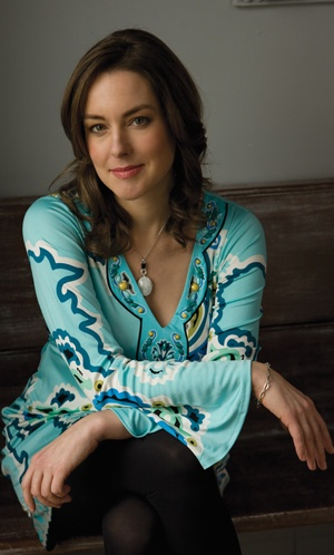 Laura Calder is a French chef from Canada - I adore her. She's totally unpretentious about her cooking and makes it simple. And she has an earthy sexiness I would kill for. Nigella be damned. #www.frenchriviera.com
