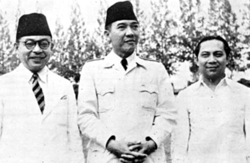 Pahlawan sejati yang benar-benar ingin memajukan Indonesia dan bebas dari pengaruh bangsa asing yang merampas harta karun Indonesia.