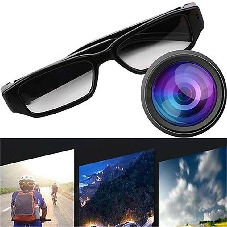 Vakoilukamerasilmälasit, joilla voit kuvata huomaamattomasti videota ja ottaa still-kuvia. Vakoilukamera on sisäänrakennuttu silmälasien sankoihin. Kamera on aina valmiina kuvaamaan. Kuvaaminen alkaa yhdellä napin painalluksella ja toisella painalluksella voit ottaa still-kuvia. Mikä parasta, kamera kuvaa laadukasta HD videota ja ottaa kuvia korkeassa resoluutiossa. Videot tallentavat luonnollisesti myös äänen. Video, kuvat ja audio tallennetaan Micro SD -muistikortille. …
