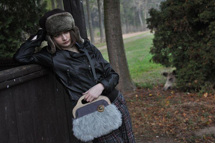 Original handbag with magnetic wooden frame...KikiBike