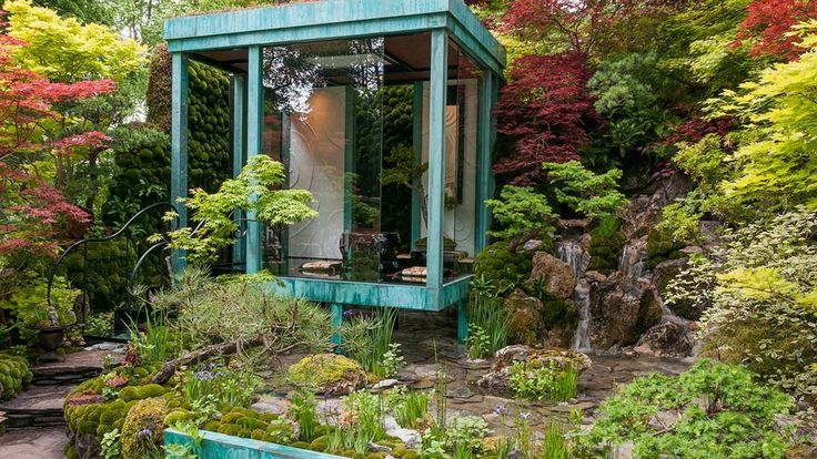 This remarkable garden with its plantings of Japanese species including Acer, iris and Enkianthus surrounding a shallow but crystal clear pool. Above which is constructed a contemporary pavilion.