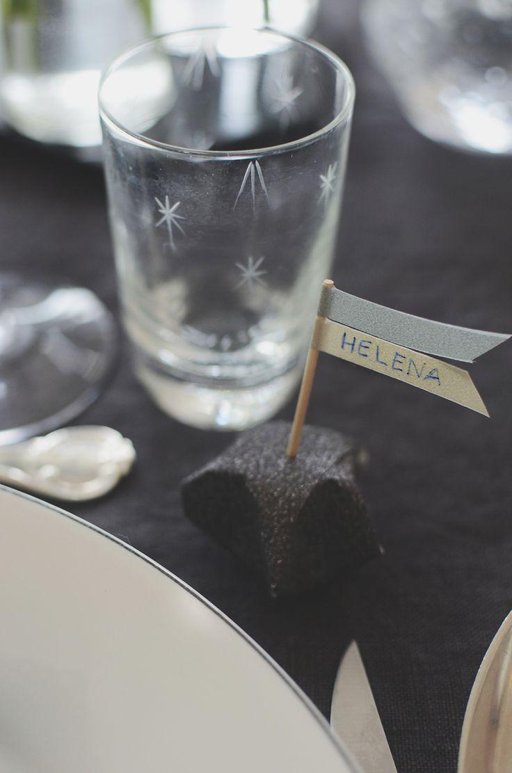 Nyårsdukning, nyår, new year, new year table setting, Pappersstjärna, papperspyssel, paper craft, paper star, table setting, bordsdukning, nyårstips