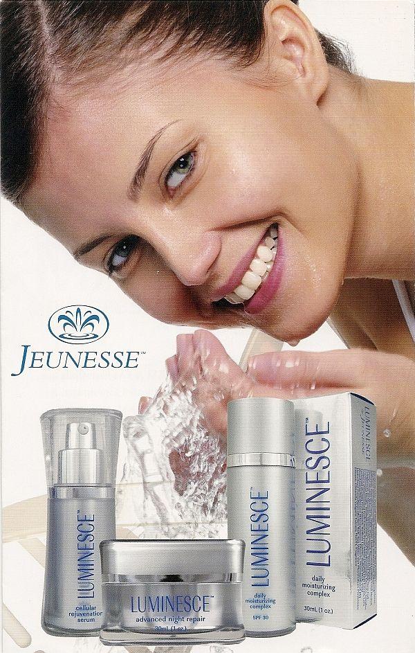 Linha LUMINESCE foi desenvolvida por alguns dos principais dermatologistas do mundo e médicos do antienvelhecimento.