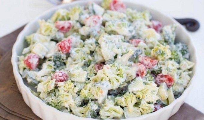 Tejfölös brokkoli saláta | TopReceptek.hu