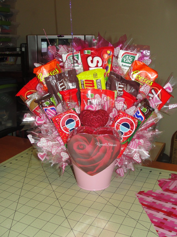 1000 images about candy bouquet ideas on pinterest for Valentine candy crafts ideas