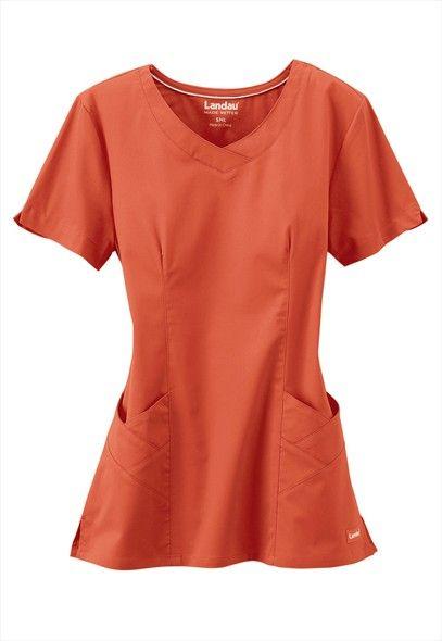 Love the basket-weave pockets!  Landau Bliss stretch scoop neck scrub top   Scrubs and Beyond
