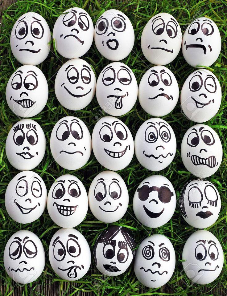 Weiße Eier und viele lustige Gesichter