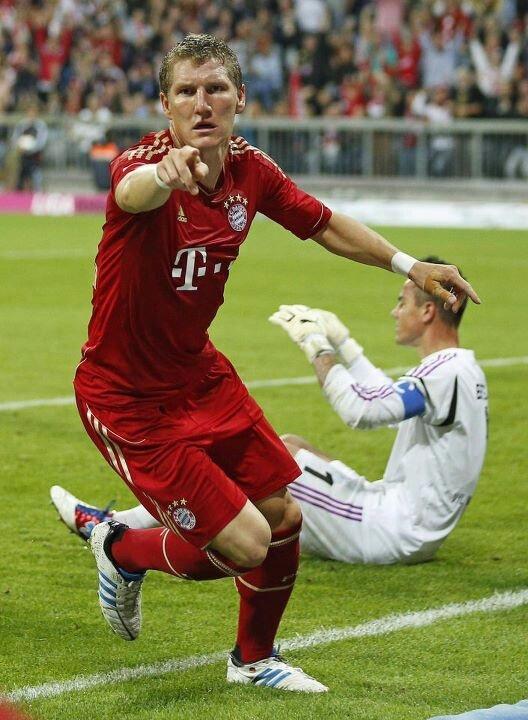 FC Bayern München Bastian Schweinsteiger No. 31