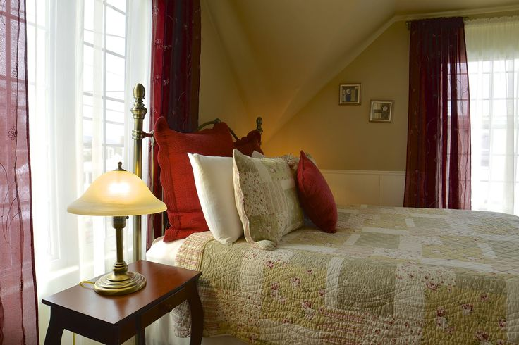 rose room - au saut du lit - magog, quebec