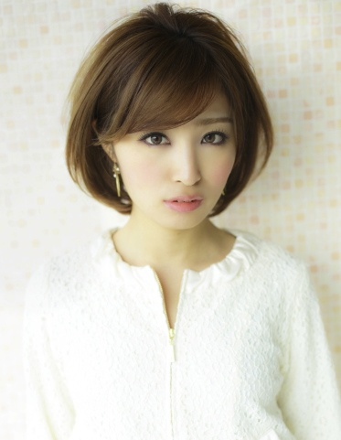 Short cut with bangs