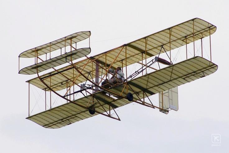 wright-flyer replica