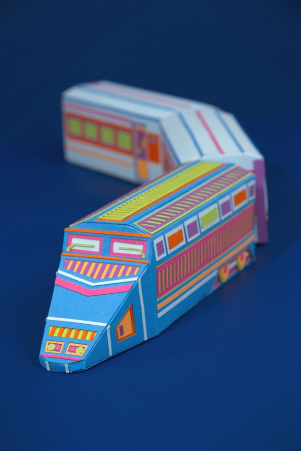 Zim&Zou - Happy Planet Detail of a Stop motion greeting card Tiphaine-illustration  #train #paper #craftsmanship