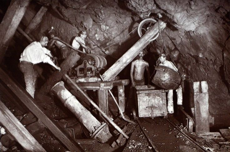 The images Burrow captured show the miners operating what was then state-of-the-art machinery deep underground. | Rare Flash Photography Shows Cornish Miners In The 1890s Toiling Deep Underground