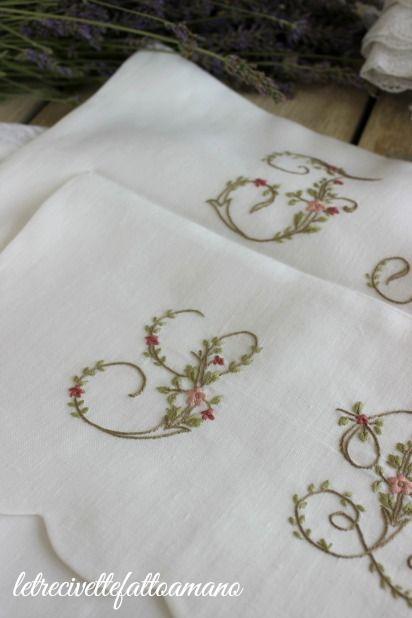 letrecivette: Porta biancheria con lettere fiorite...