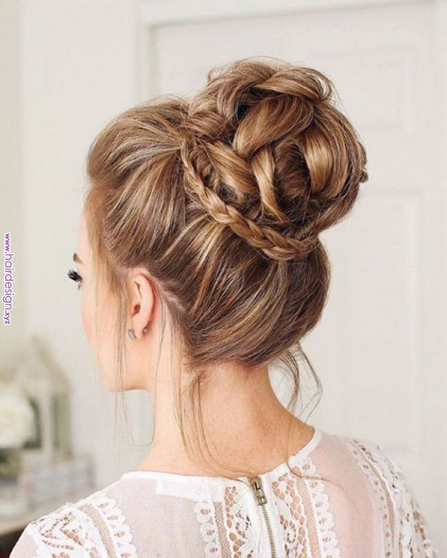 50 Pretty Wedding Hairstyles You Can Do Yourself We Always Hear About Weddings Costing A Small Fort Long Hair Styles Wedding Bun Hairstyles Pretty Hairstyles